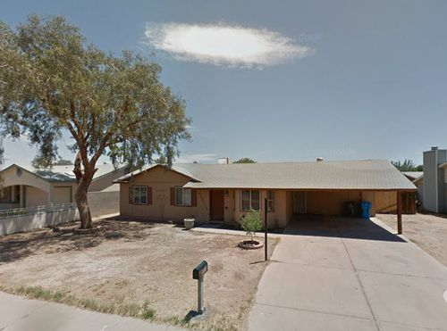 Click here to see a larger photo of 6015 W. McKinley St